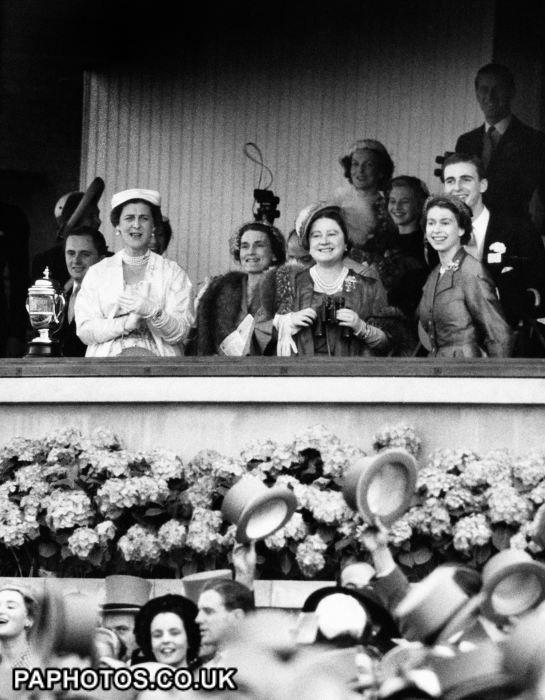 Horse Racing - Royal Ascot - Royal Family - 1953
