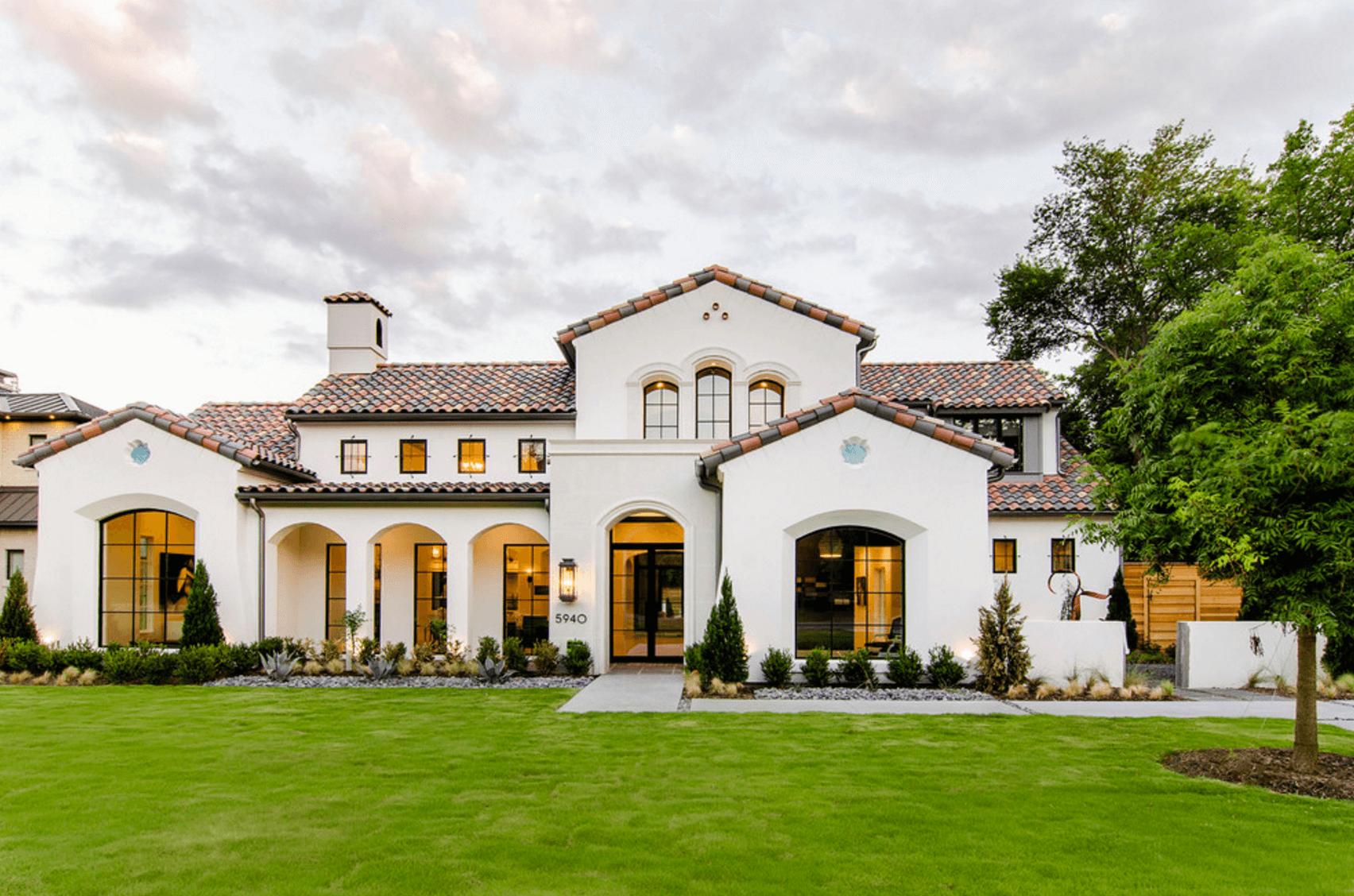 25 White Exterior Ideas for a Bright, Modern Home - http://freshome ...