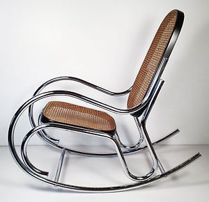 Vintage mid century modern chrome rocking chair thonet for Chaise bentwood