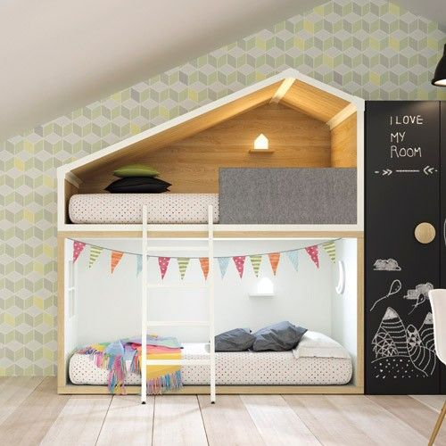Litera infantil en forma de casita n rdica con acabados de for Literas infantiles originales