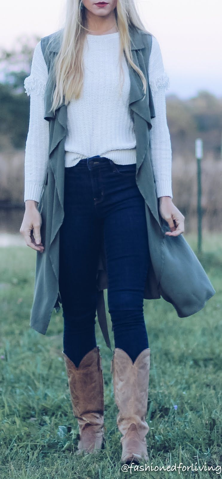 fall cowgirl boots outfit with jeans | Cowgirl outfits