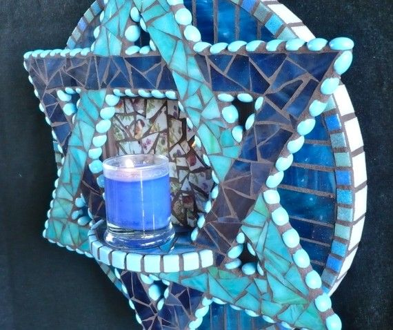 blue mosaic star of david.  Simply awesome.  I wish I were this talented.