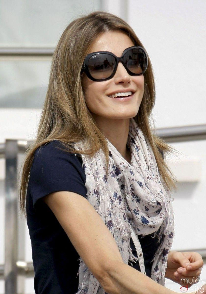 e9841f3543 La Reina y sus gafas de sol | Ojos | Gafas de sol, Gafas de sol ray ...