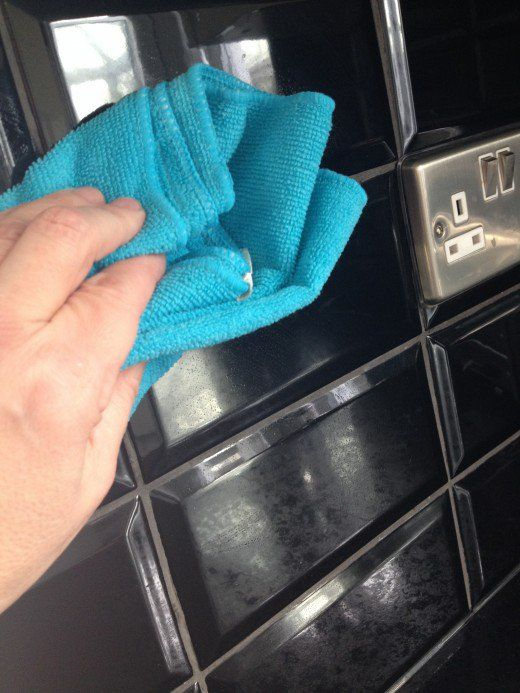 How to Clean High-Gloss Kitchen Tiles Without Streaks