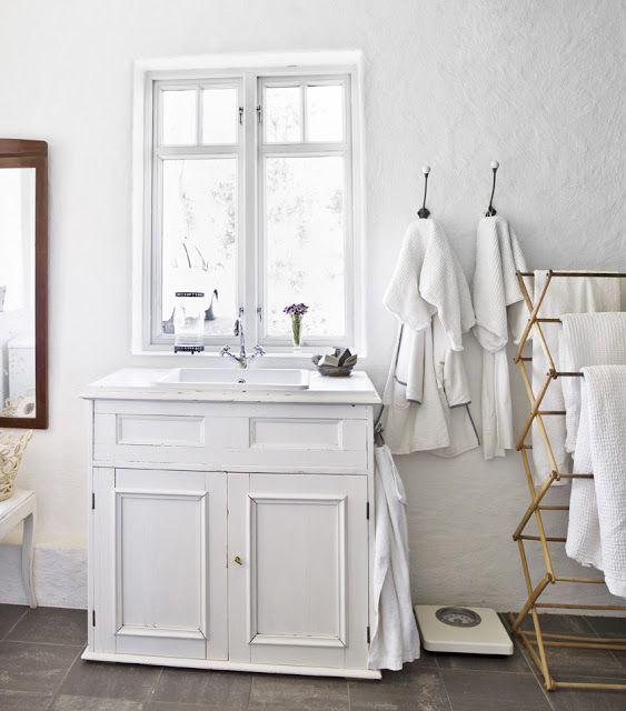 Brocante badkamermeubel | Bobbie\'s Home - Interieur ideeen ...