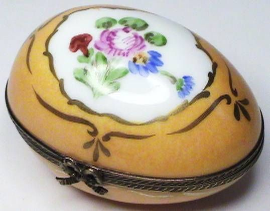 BEAUTIFUL AUTHENTIC LA SEYNIE PEINT MAIN FOLIATE FLORAL EGG SHAPE LIMOGES BOX