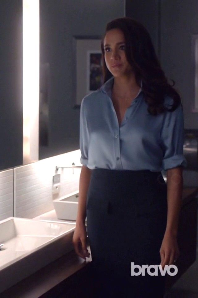 94a77243f9 03 Feb 2016 Gucci Shirts Rachel Zane Suits S05E12 Live to Fight