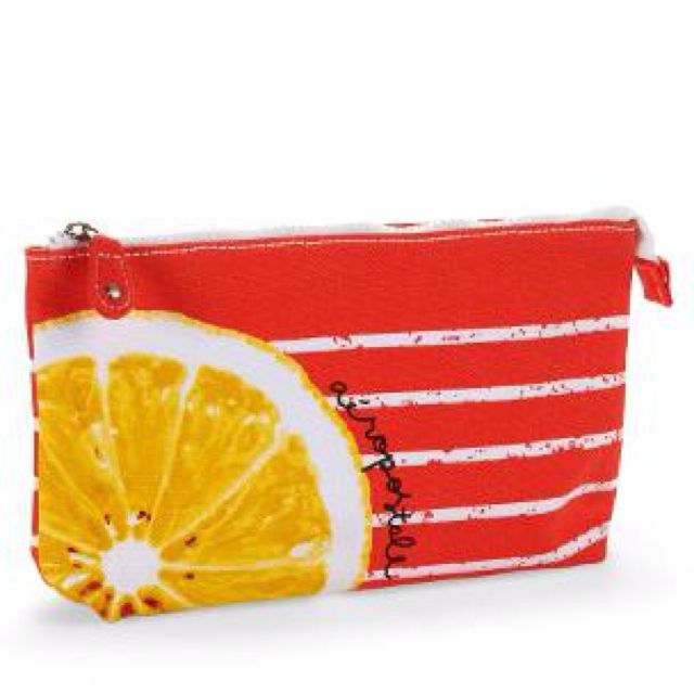 Aeropostale makeup bag ~Whether it be sunscreen,powder or lip balm a girl needs to protect her skin. Love the bright orange with the coral pattern. @Metropolisatmet #Findwhatyoulove