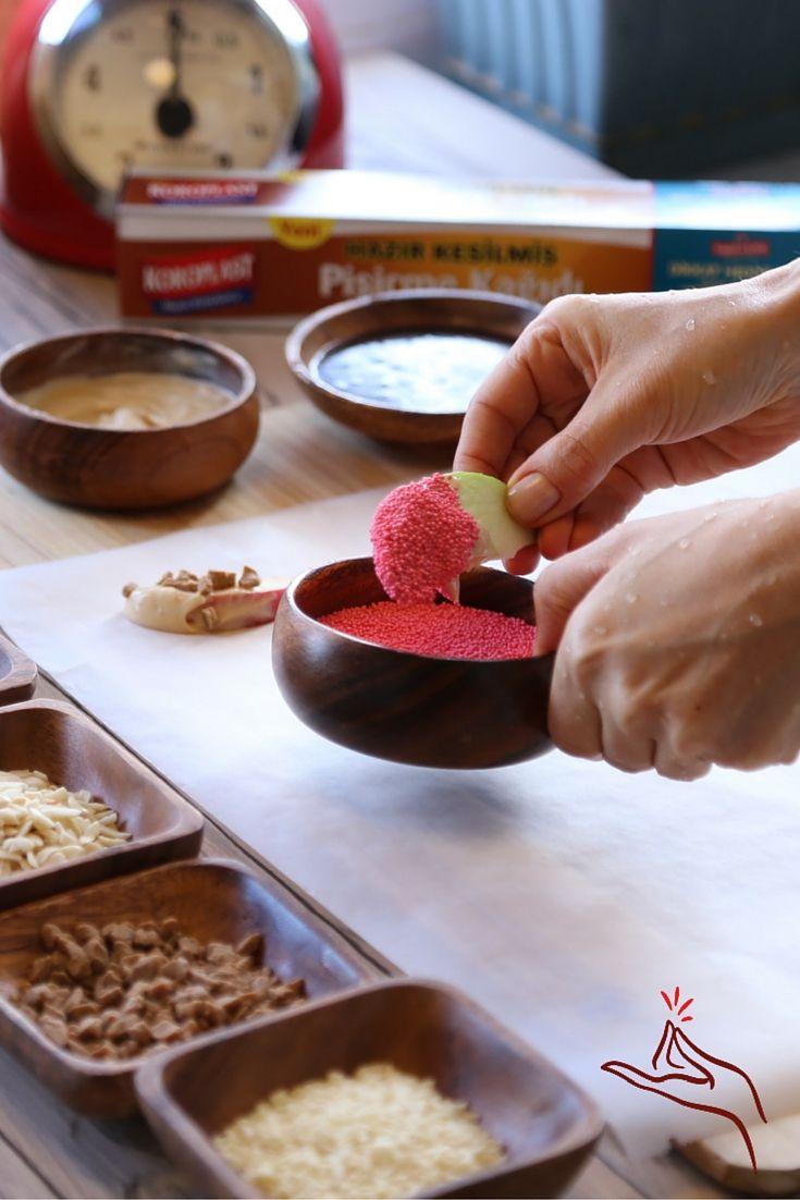 Elma dilimlerini hiç böyle yemediniz. Bu dilimler hem çok renkli hem de çok lezzetli.