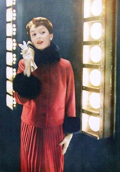Harper's Bazaar July 1953  Photo by Lillian Bassman