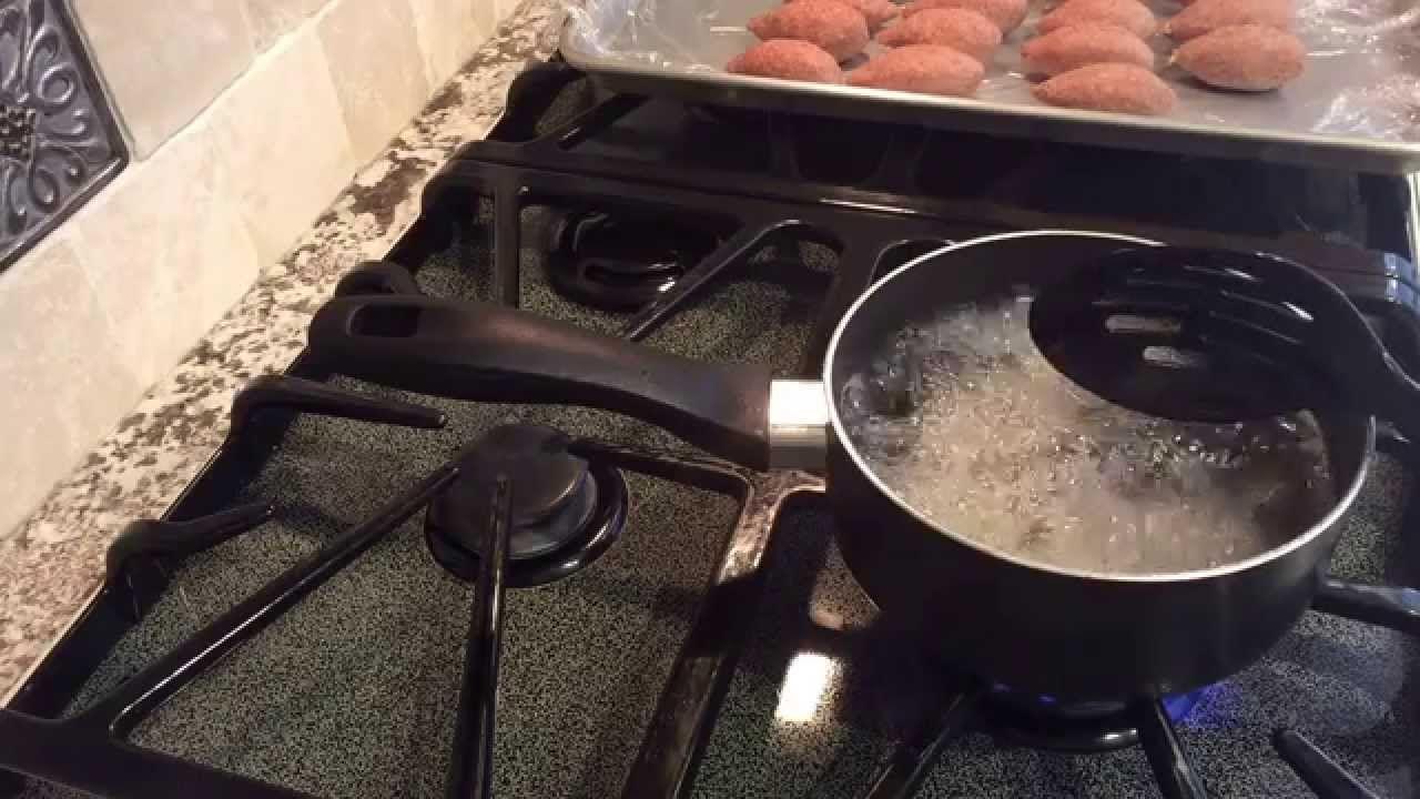 كبة البرغل المقليه من مطبخي Fried Kubba Linda S Kitchen مطبخ ليندا Middle Eastern Recipes Kitchen Stove Top