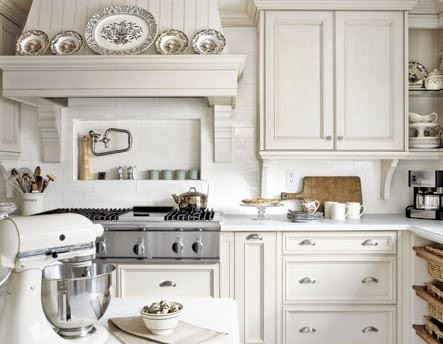 Range Hood With Plate Rack Recessed Shelf Above Stove Top And Selected Open Shelving Kitchen Inspirations Home Kitchens Kitchen Design