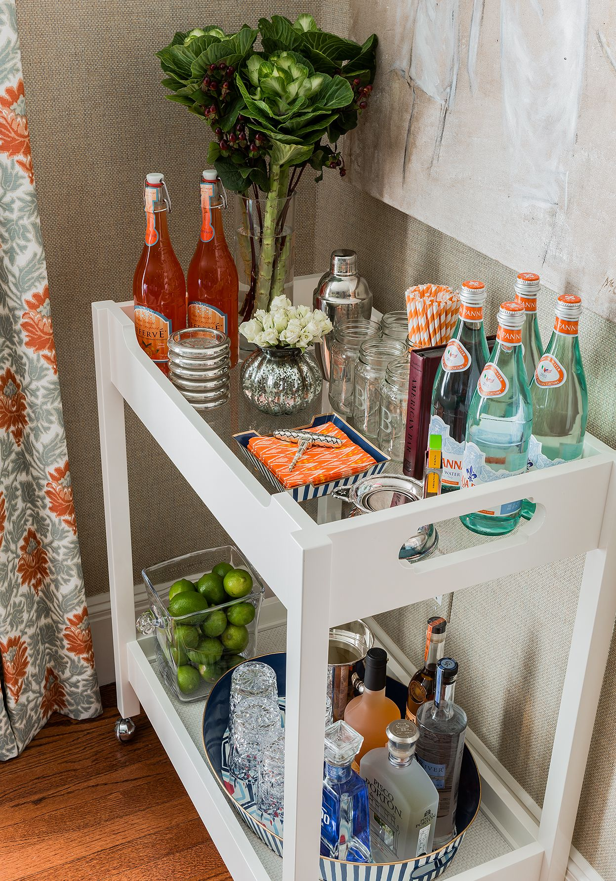 Media sourcing bar carts portable bar and beverage stations for Mini bar decorating ideas