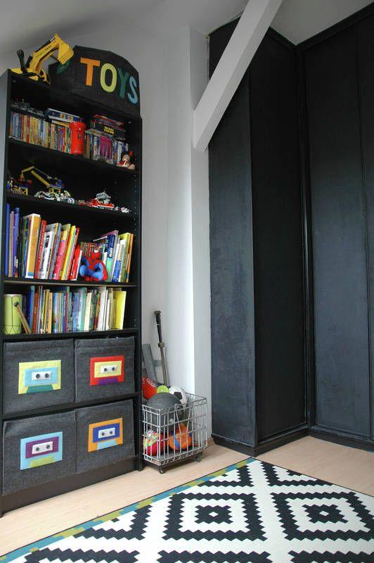Czarna Szafa W Pokoju Dziecka Pokoj Dziecka Styl Nowoczesny Aranzacja I Wystroj Wnetrz Home Decor Decor Kids Room
