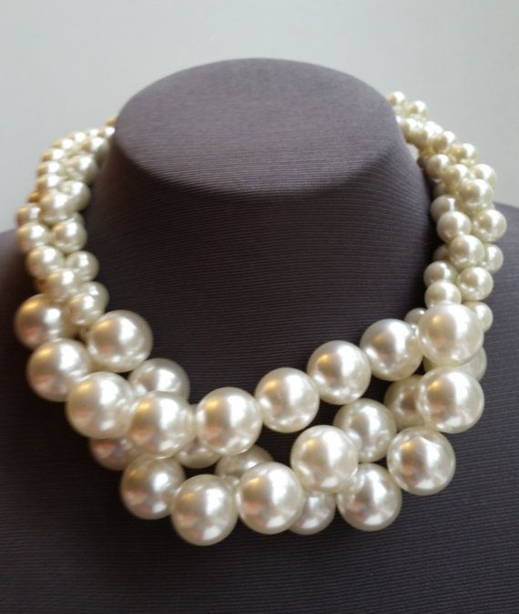 21c5b9830 Chunky pearl bridal necklace, large pearl choker, boho wedding ...