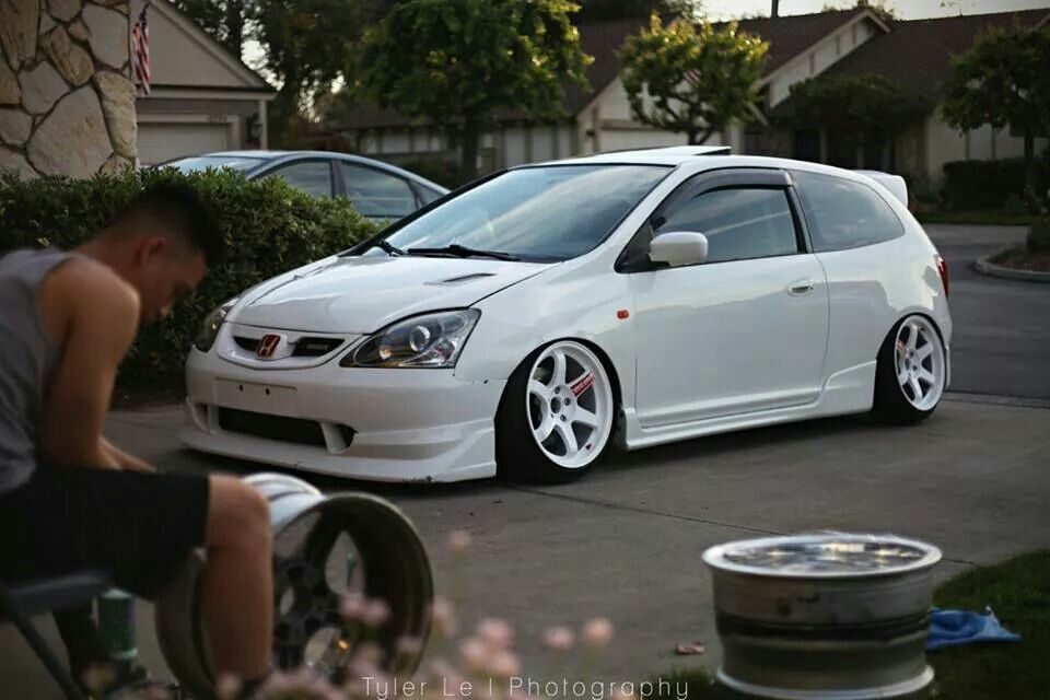 White ep3 Honda civic hatchback, Honda civic type r