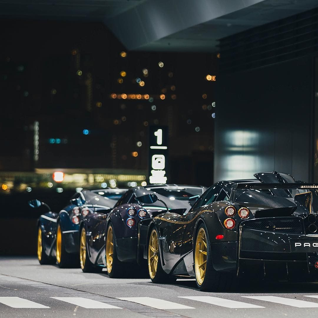 Three Beautiful Pagani In A Line, What A Friendship Goal