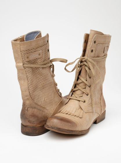 """""""Dover"""" Boots (by Roxy)."""