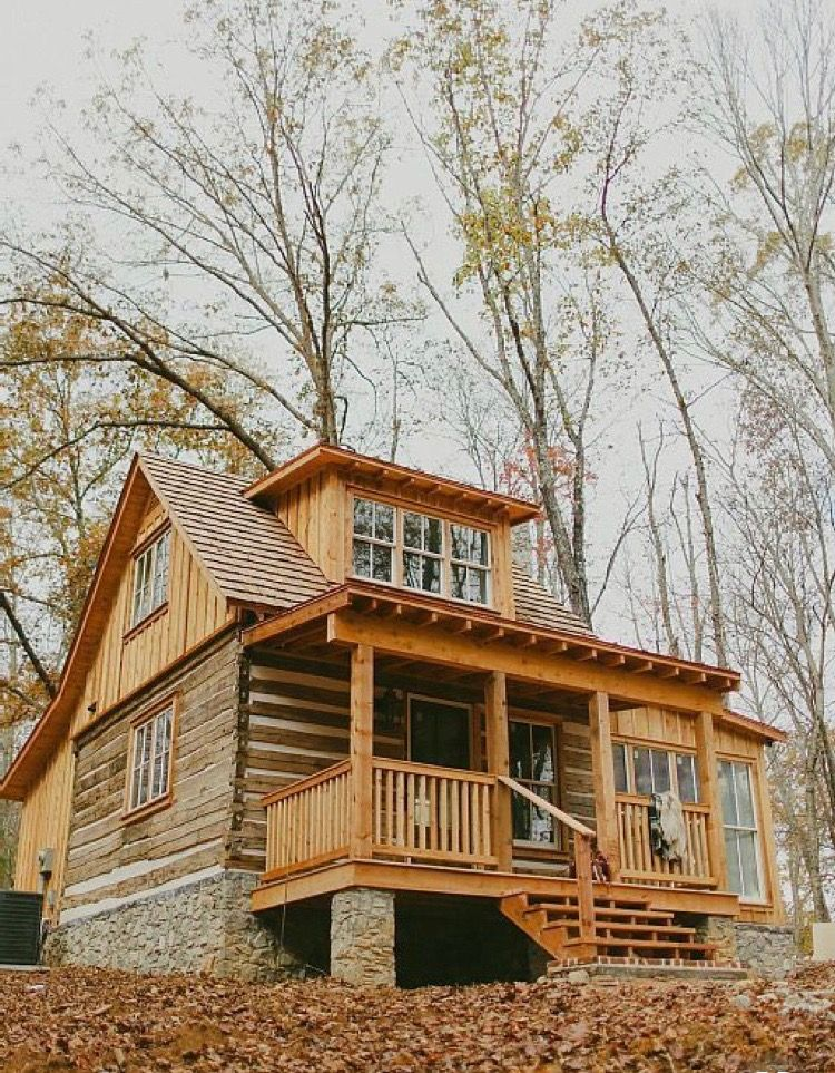 Living In A Home In The Woods Made From Wood And Stone Nestled In The Most Natural Setting The Benefits They Are Sooo Modern Cabin Log Cabin Homes Log Homes