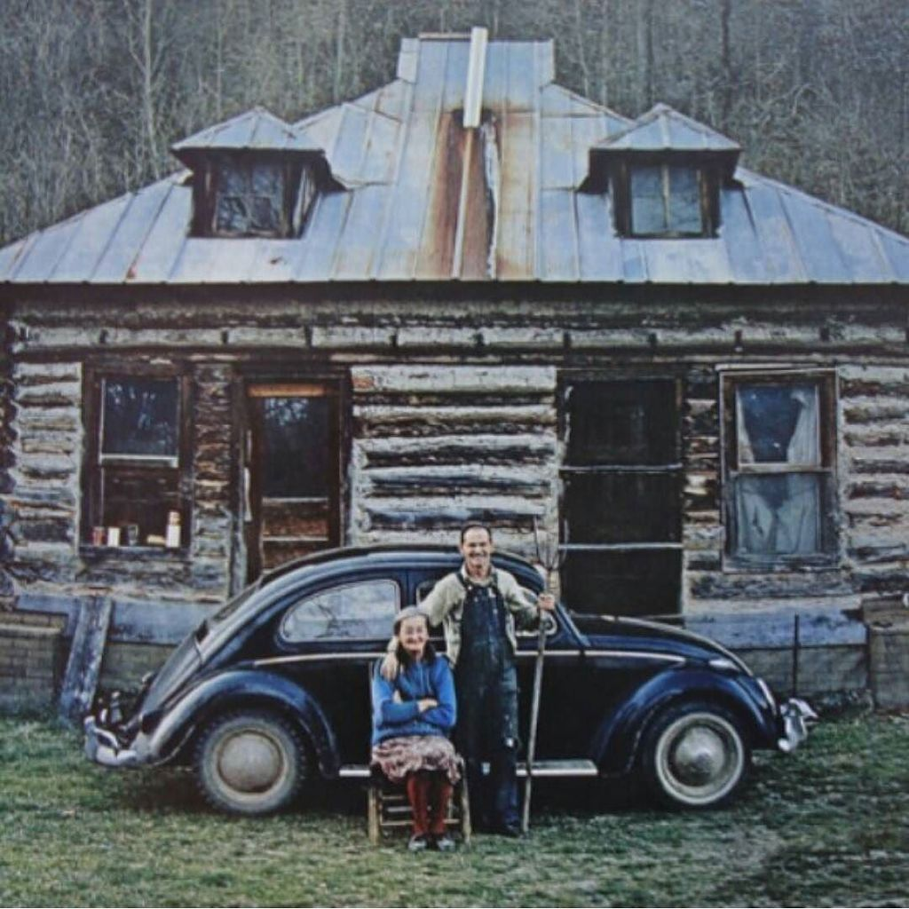 Haha love it! #vw #volkswagen #vwclassic #vwbug #vwbeetle #beetle #classy #classic by vdub_benzie https://t.co/of9E1iCOJk April 11 2016 at 10:20PM