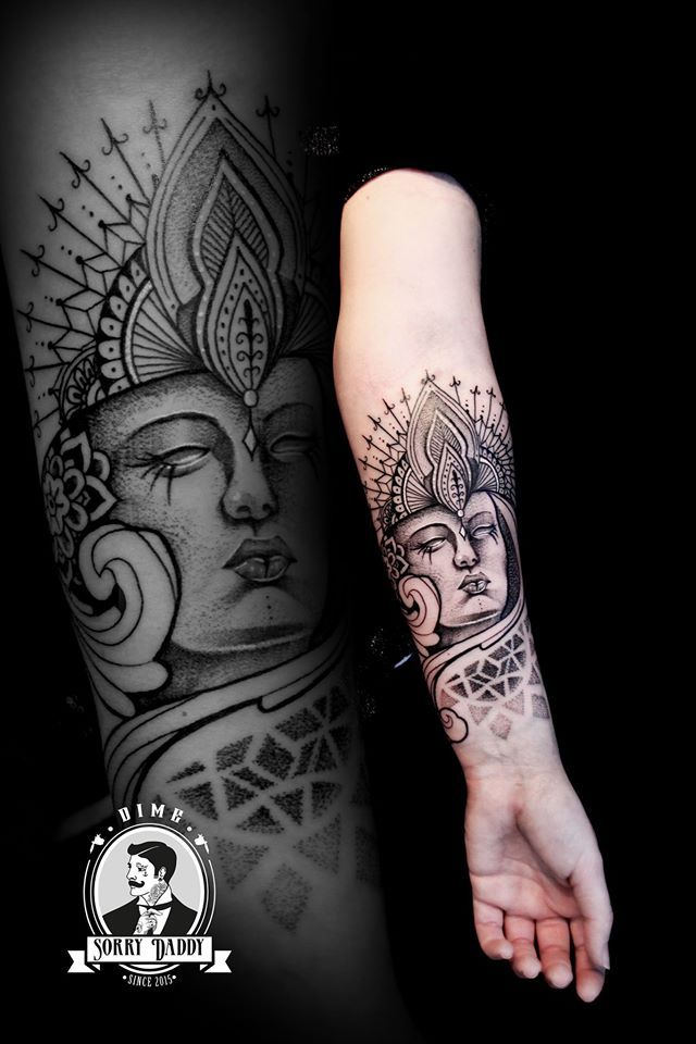 Tatouage Bouddha Bouddhisme Spiritualite Soleil Lune Idee Tatoo