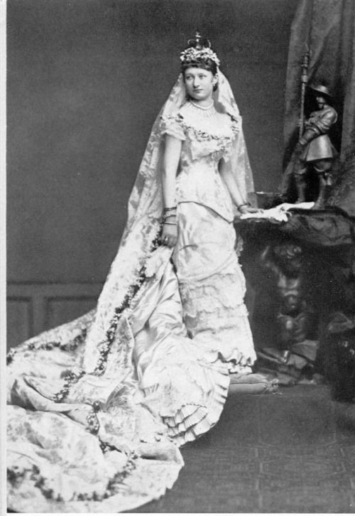augustaviktoria - Google Search | Royal wedding gowns, Royal ...