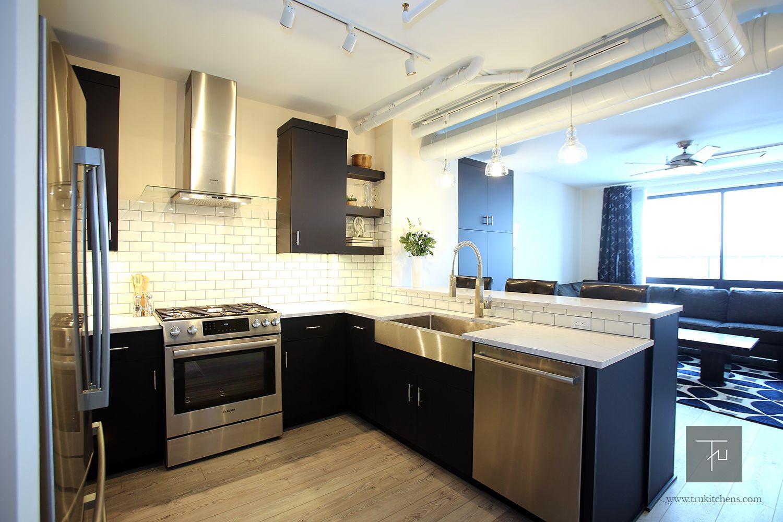 Shiloh Eclipse Frameless Cabinetry In Nocturne Bosch French Door Refrigerator Bosch Diswasher Bo Transitional Kitchen Design Kitchen Solutions Kitchen Design