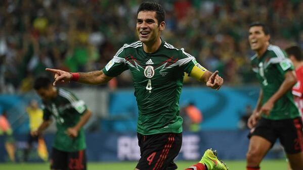 """""""@_Futbolero_:Me encanta ver a un MITAZO como Rafa Márquez haciendo un gran mundial, marcando un gol y pasando a 8vos pic.twitter.com/AmmsadLNn8"""
