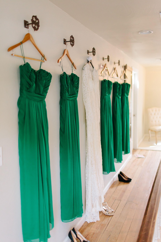 Eindrucksvolle Hochzeit in Smaragdgrün – Avery und Michael