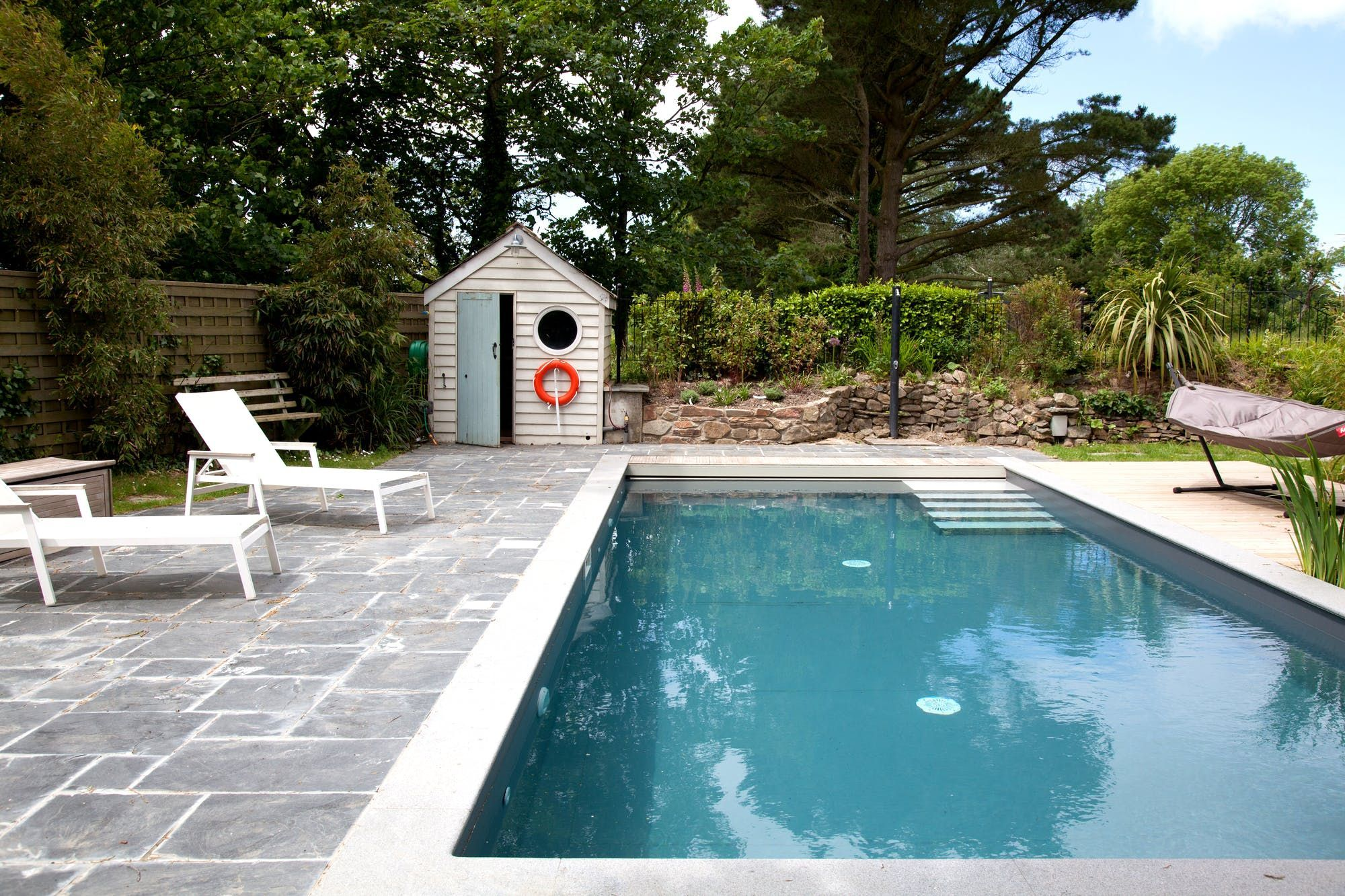 20 Of The Best Coolstays With Pools In The Uk Swimming Pool House Pool Houses Big Pools
