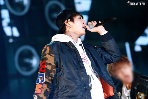 """STICK WITH YOU on Twitter: """"151009 DDP #정국 #방탄소년단  http://t.co/Pv2y0U2Gw6 http://t.co/6fzbEbO6MC http://t.co/S20HMWsq2K"""""""