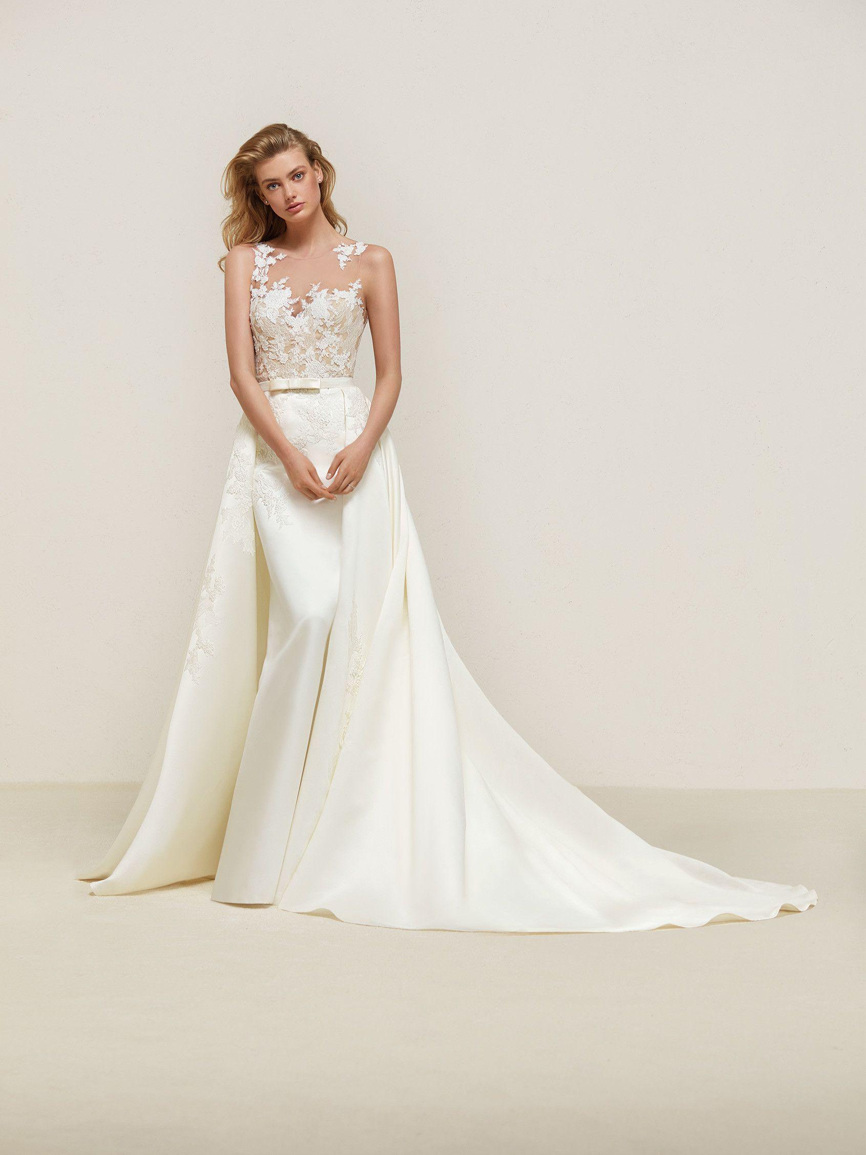 Dranoe: Brautkleid im Meerjungfrau-Stil mit wunderschönem Überrock ...