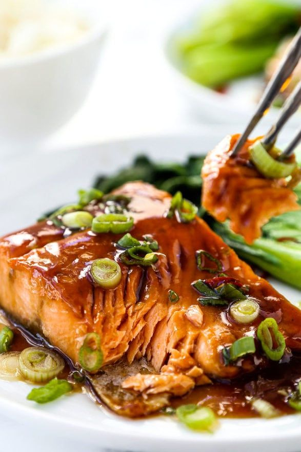 Your tastebuds will sing when you try this delicate teriyaki arctic char! This Japanese inspired sustainable fish recipe is ready in 10 minutes from start to finish! #fishrecipe #sustainability #seafoodrecipe #easydinnerideas #teriyakisauce | pickledplum.com