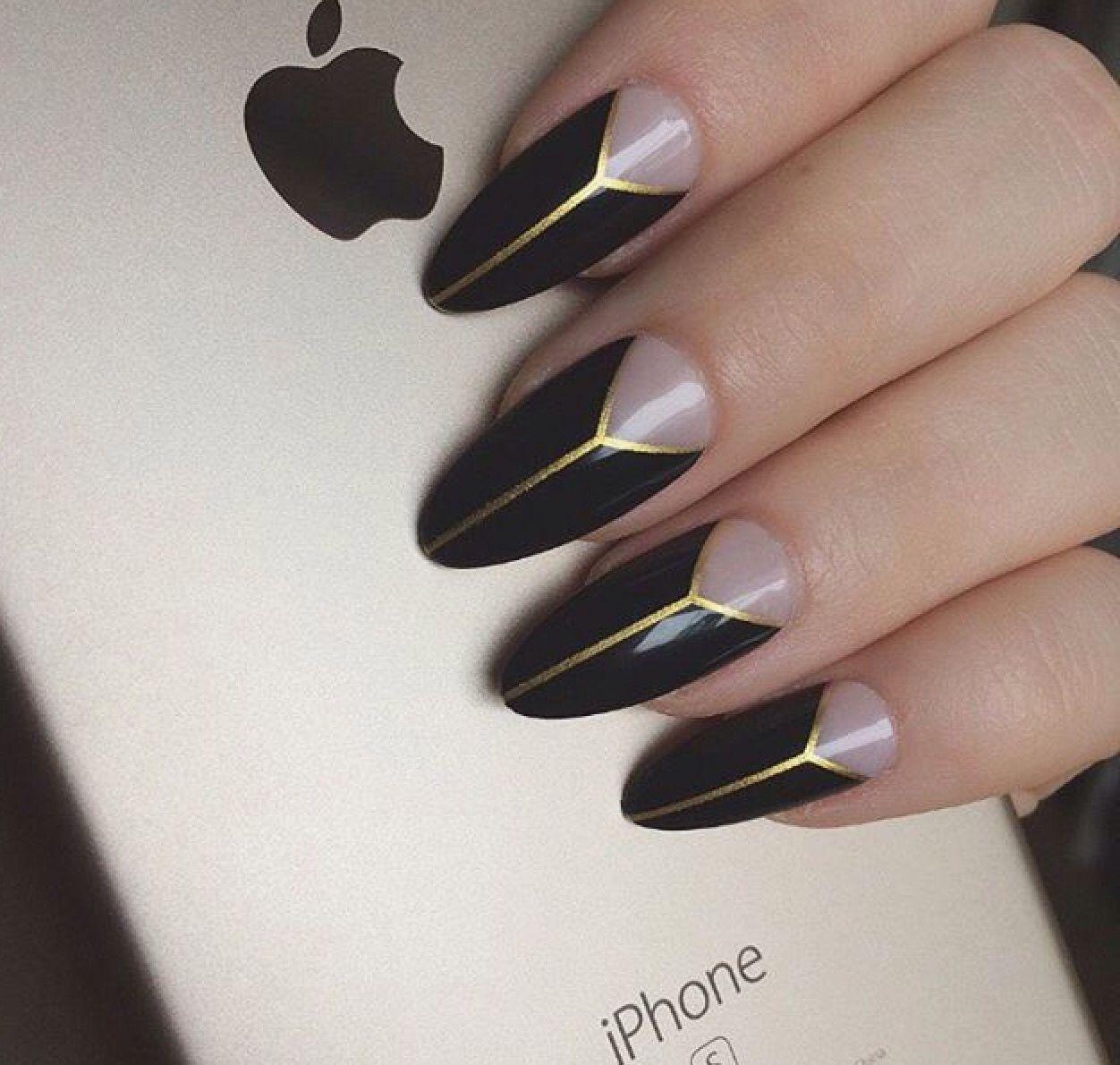 Black gold negative space | nägel | Pinterest | Nagelschere, schöne ...