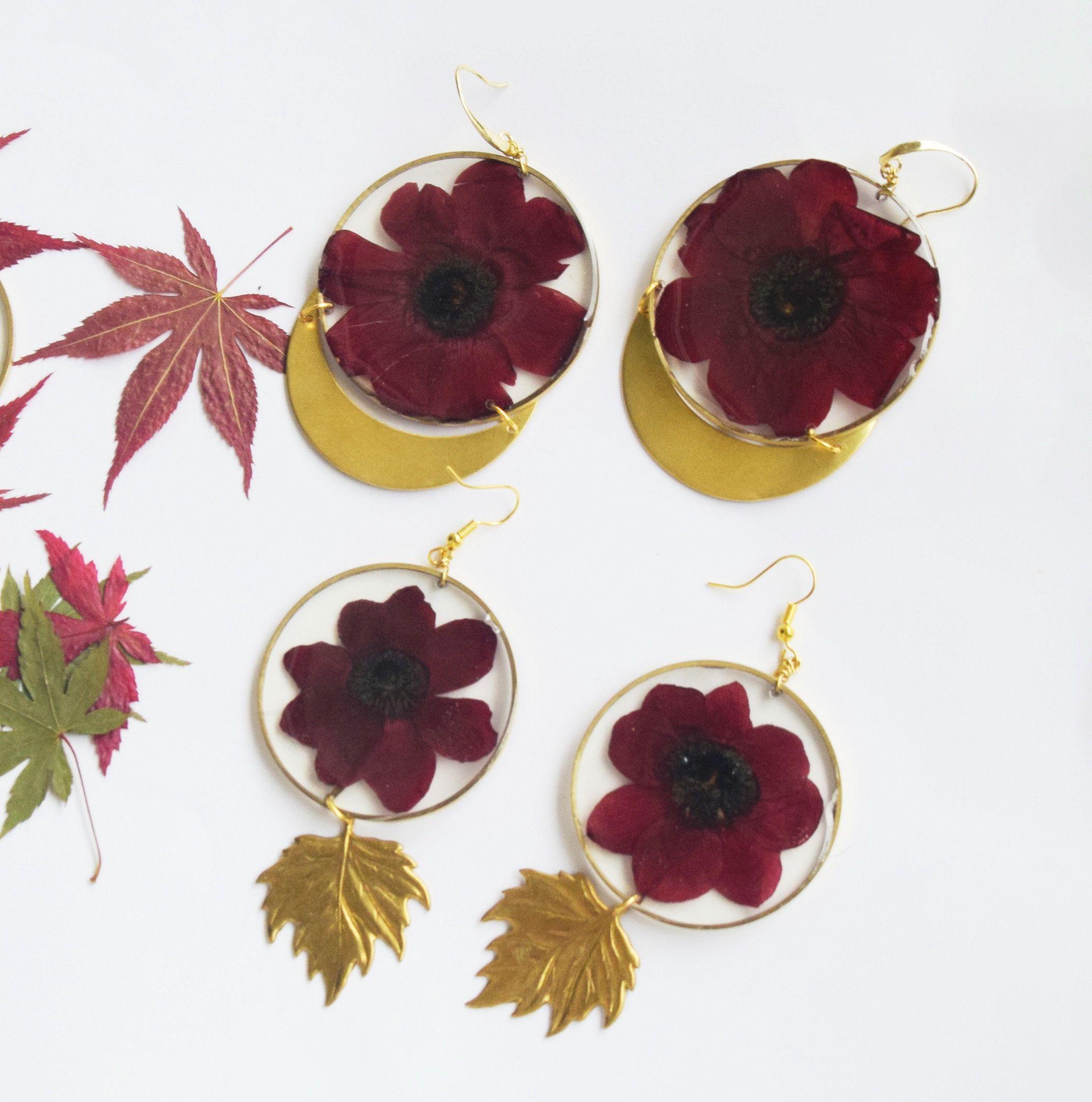 Anemone Flower Earrings Preserved Flower Brass Leaf Eco Etsy In 2020 Flower Earrings Eco Resin How To Preserve Flowers