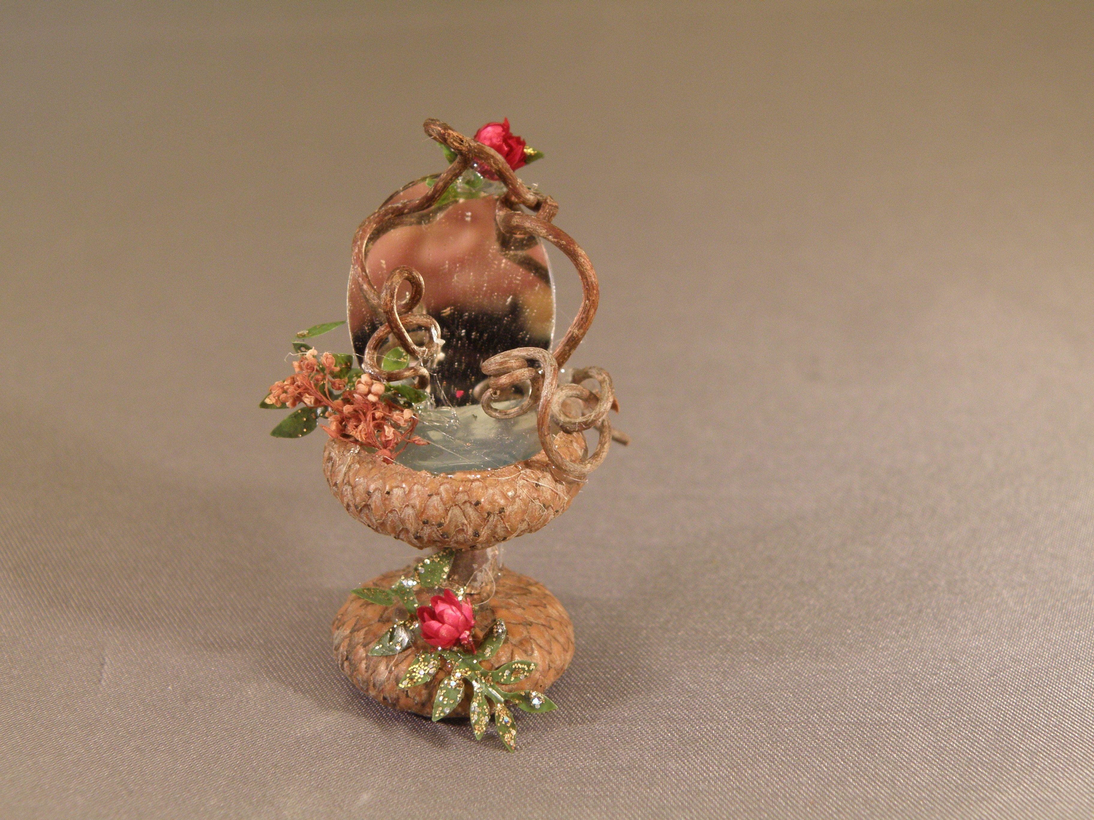 Acorn Vanity for Fairy Gardens. www.facebook.com/FantasyTamara ...