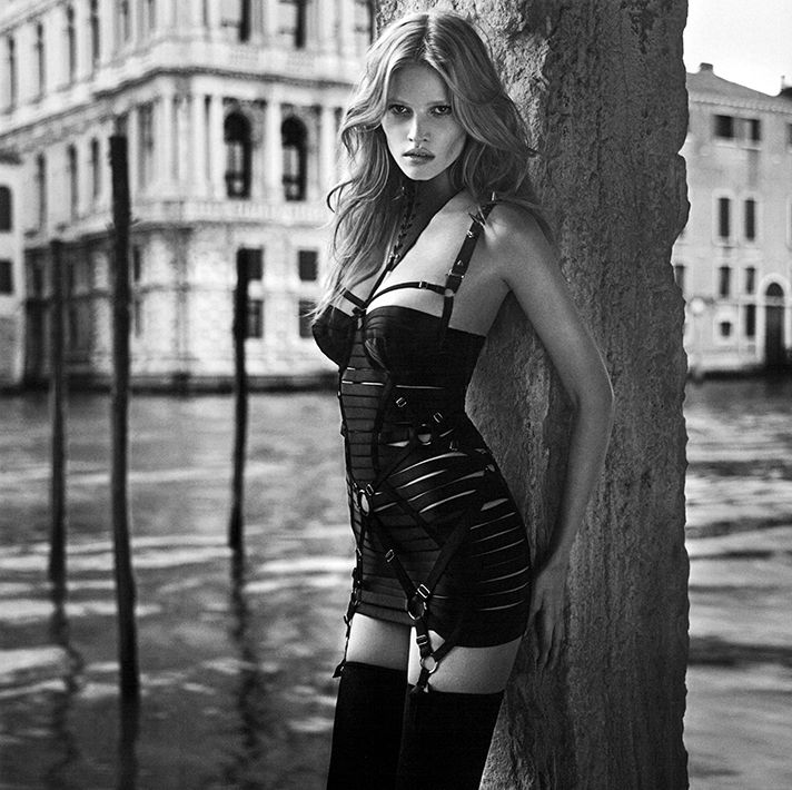 Lara Stone photographed by Mario Sorrenti for Vogue Paris, 2011. Hair by Recine.