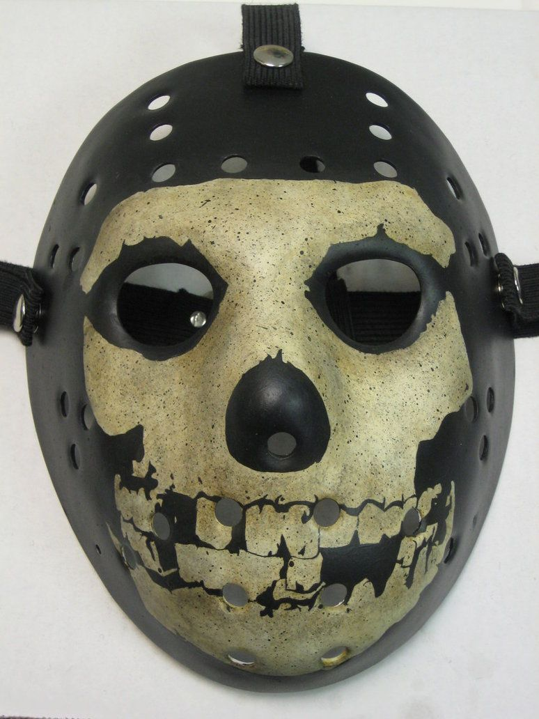 Crimson Ghost Hockey Mask | Halloween Haunt Inspiration ...