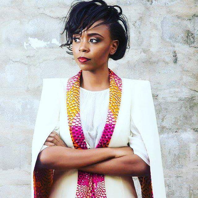 Tenue elegante et chic #africanstyle #fashion #mode #africanwoman #style #225 #abidjan #ebonysassume #blogger #fashionblogger #frolicious #ebonysassume