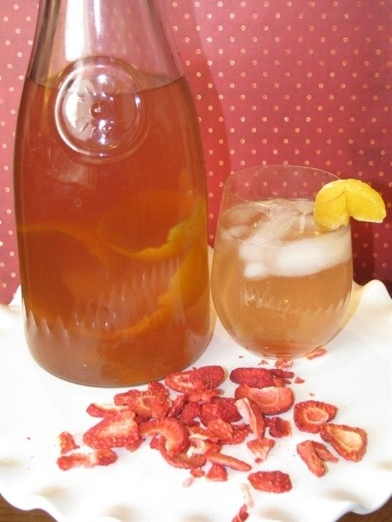 Easy Healthy Recipe - Strawberry and Tangerine Metabolism Boosting Drink - bestrecipesmagazi...