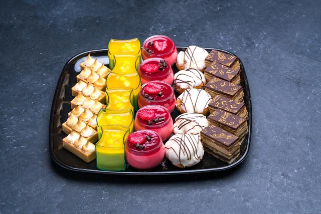 Fancy Mini Desserts Platter Small | Dessert platter, Mini ...
