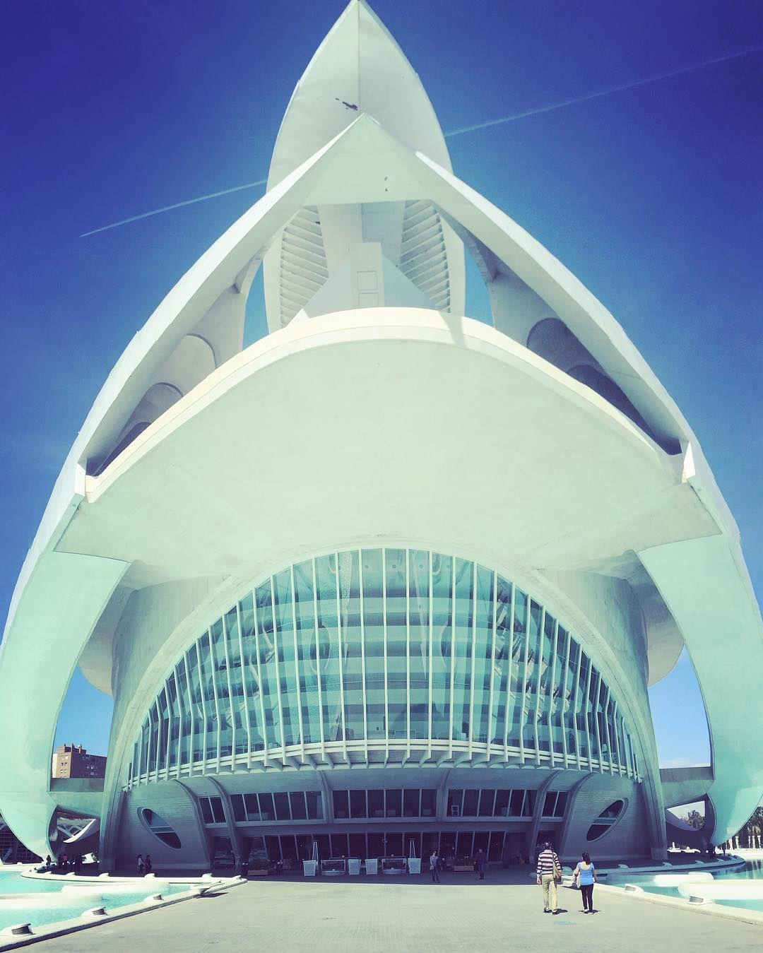 Das #opernhaus von #valencia ist genial! Das 200 Millionen teure Bauwerk von #calatrava beeindruckt!  Frohe Ostern aus Spanien!  #architecture #operahouse #westin
