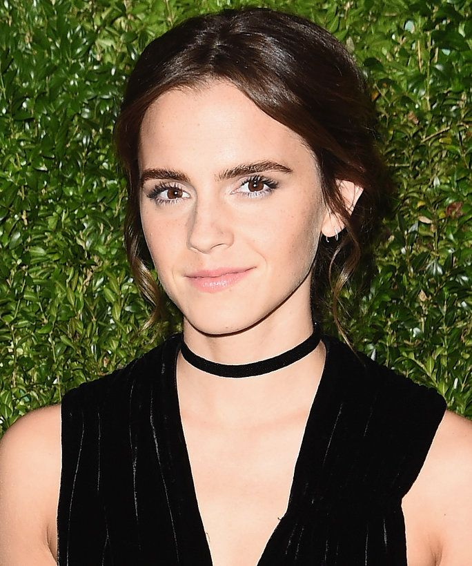 Emma Watsons New Hair Color Is The Perfect Fall Shade Dark Hair
