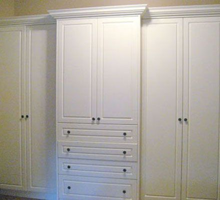 Gentil Built In Bedroom Closet   Like This, But If It Were Flush.   TV Hidden In  The Middle.
