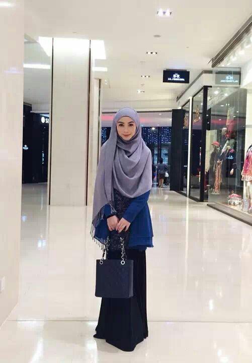Muslimah Woman Hijab Fashion Nur Amirah Kuala Lumpur Malaysia