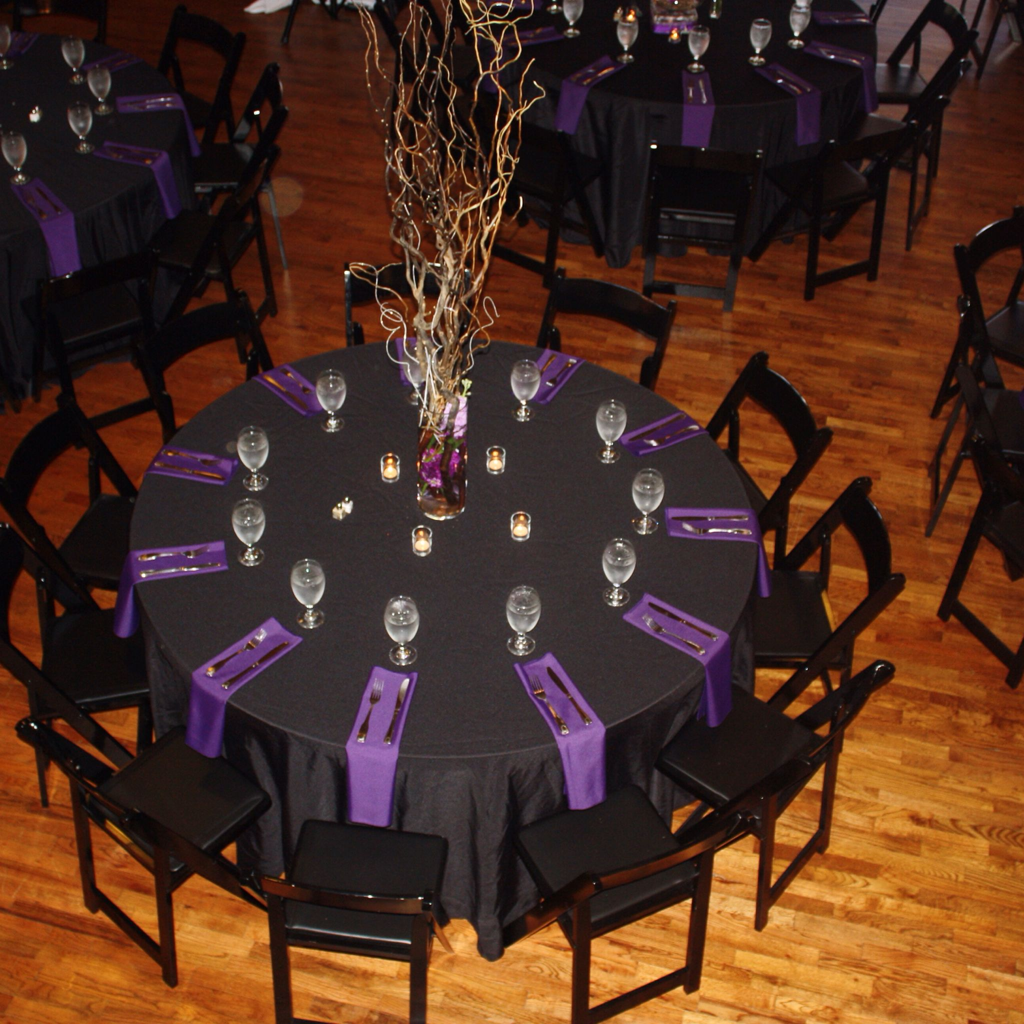 Black and purple table setting. & Black and purple table setting. | Table Settings | Pinterest ...