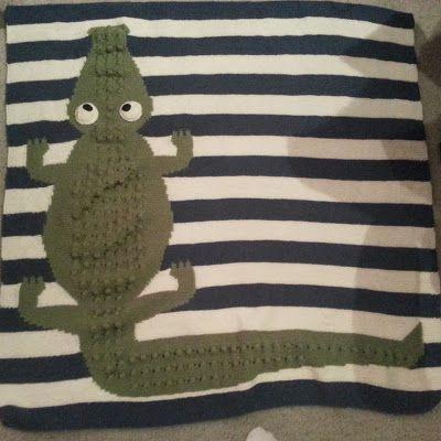 Finished: Googly-Eyed Gator baby blanket