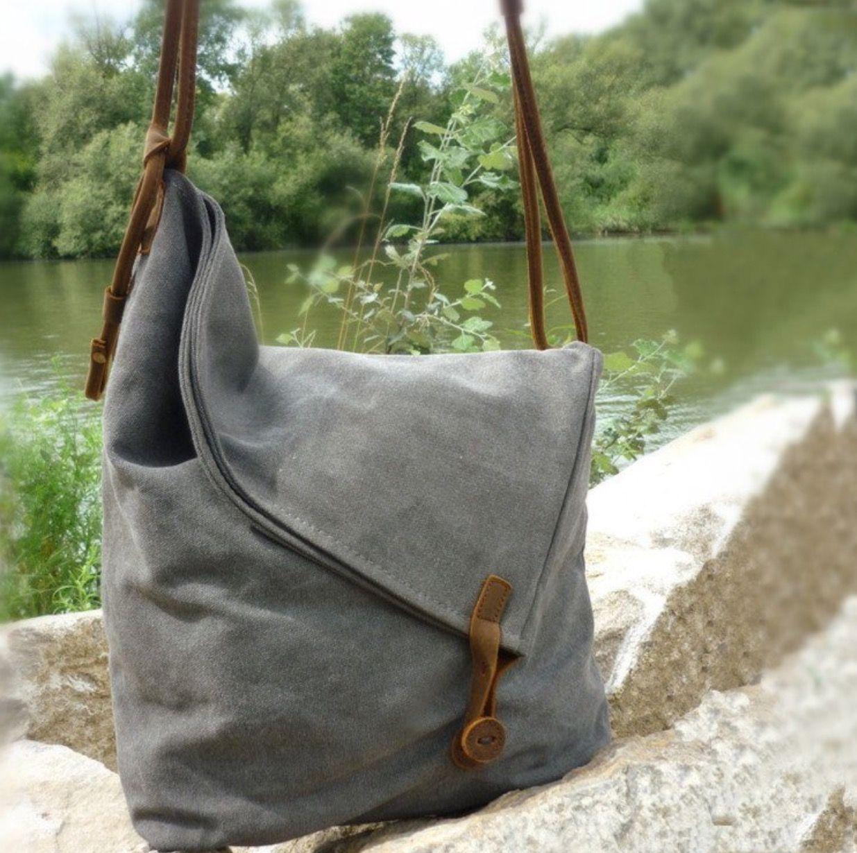 Fedt design på taske – måske fair-isle ... eller skind. Simpelt at bruge til upcycling.