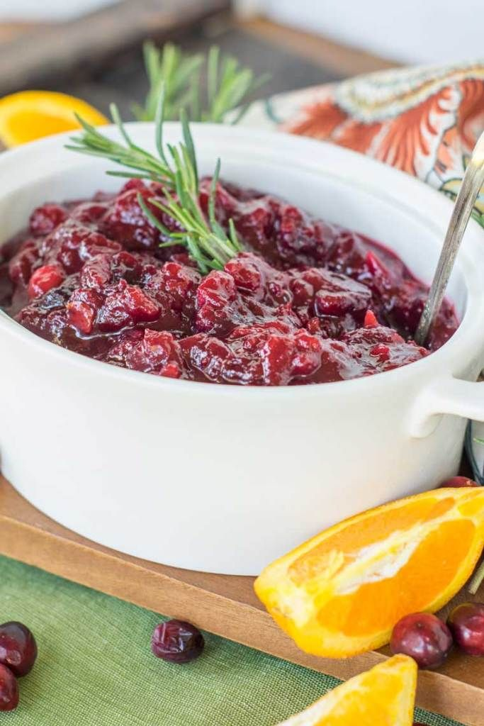 Effortless make ahead cranberry sauce #cranberrysauce