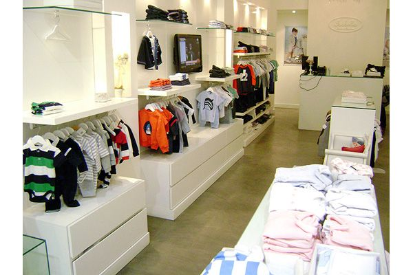 Fabricante de muebles para locales de ropa estantes con for Muebles juveniles zona oeste